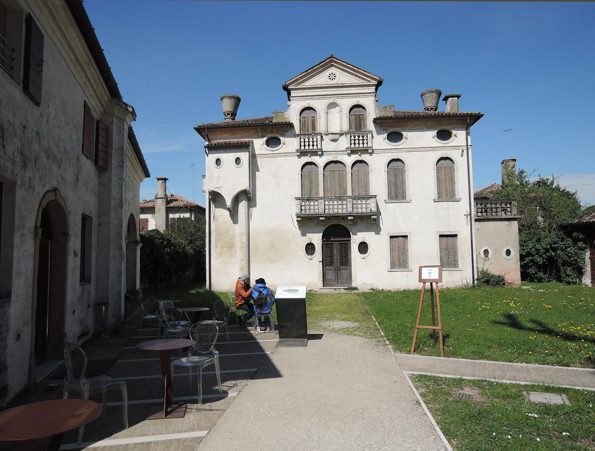 Villa Pisani Café