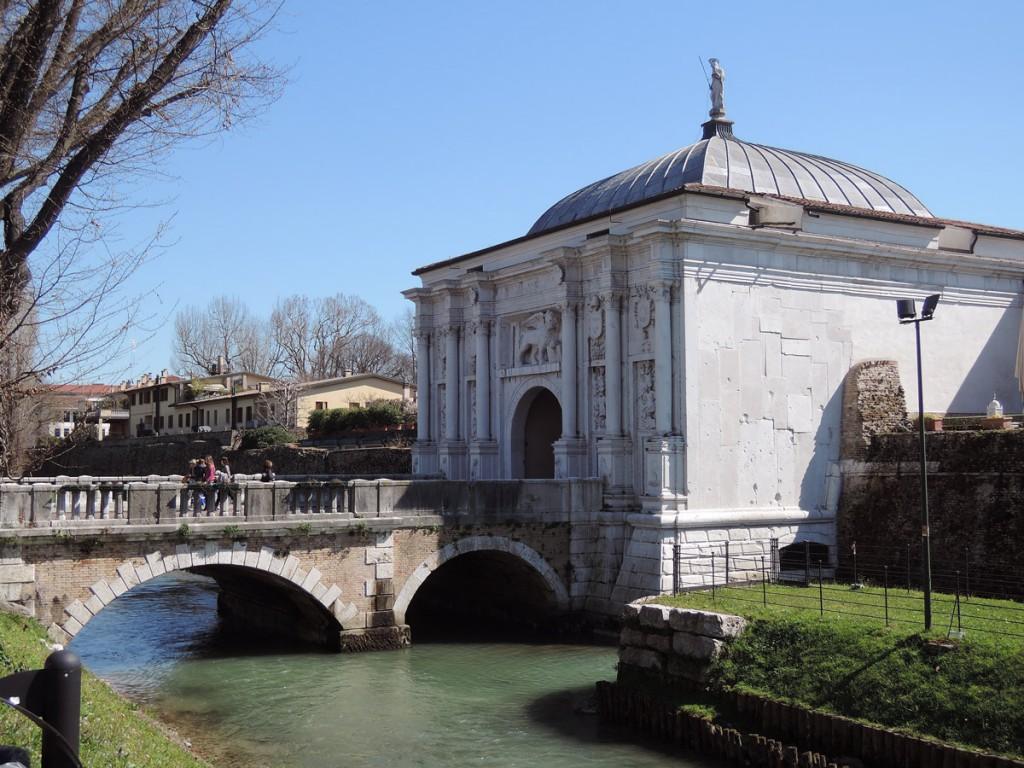 Porta San Tomaso