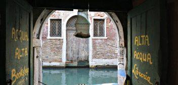 Acqua Alta bookshop: Like Water for… Books