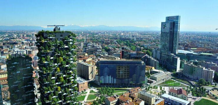 Milanoinverticale: up & down to discover old and new buildings in Milano