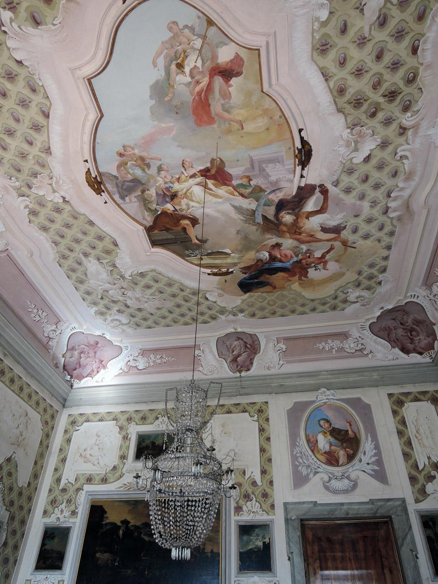 Fame Fresco
