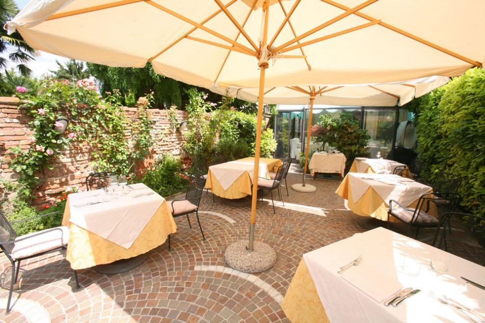 Courtyard, Hostaria San Benedetto