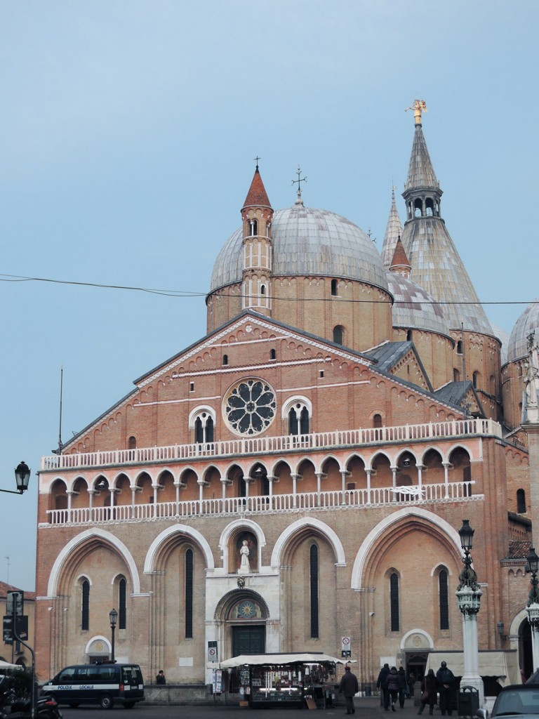 The Saint with no name, Padua the city of the 3 without