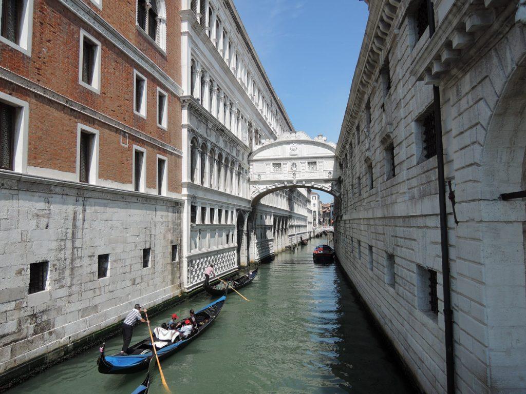 Best Things to Do in Venice, Ponte dei Sospiri