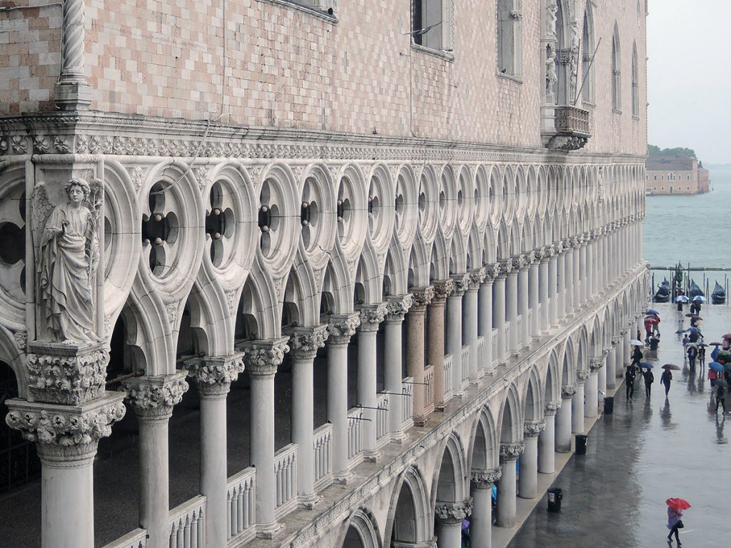 Palazzo Ducale facade- The red columns