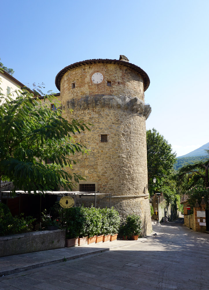 Rivellino Tower, Cetona
