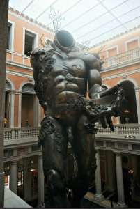 The giant at Palazzo Grassi
