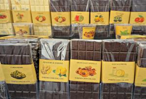 Flavoured chocolate bars