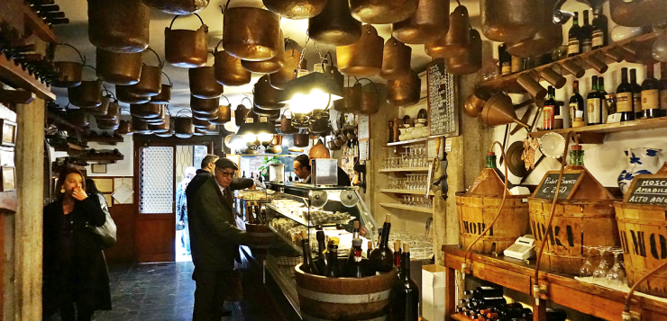 Cantina Do Mori, the most ancient tavern in Venice